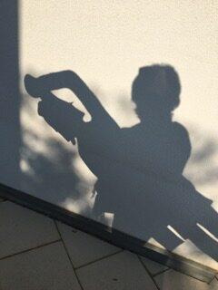 Schattenbild von Esther Tschudin