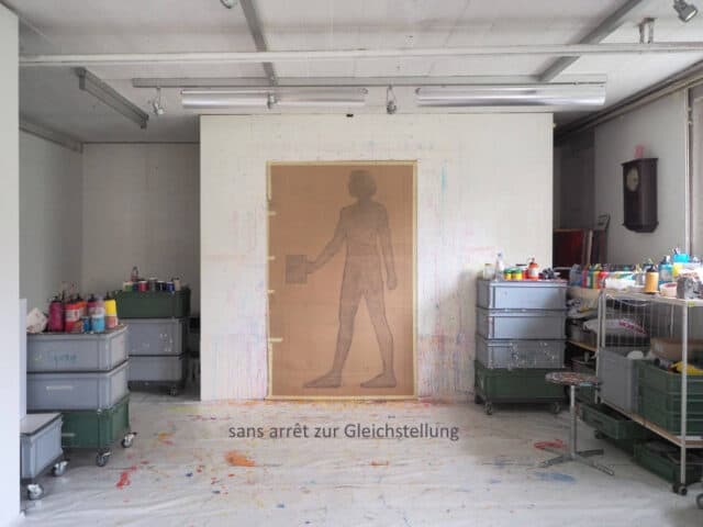 Zeichnung von Esther Loeffel im Atelier