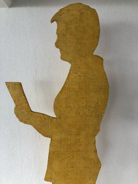 Cornelia-Egli-halbe-figur-gelb
