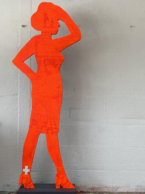 evelyn-doenicke-figur-rot